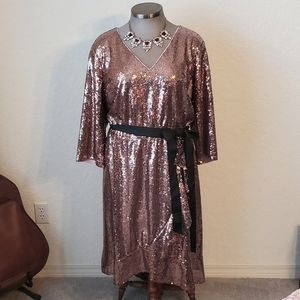 STUNNING SEQUIN FAUX WRAP PARTY DRESS Sz. 26 NWT